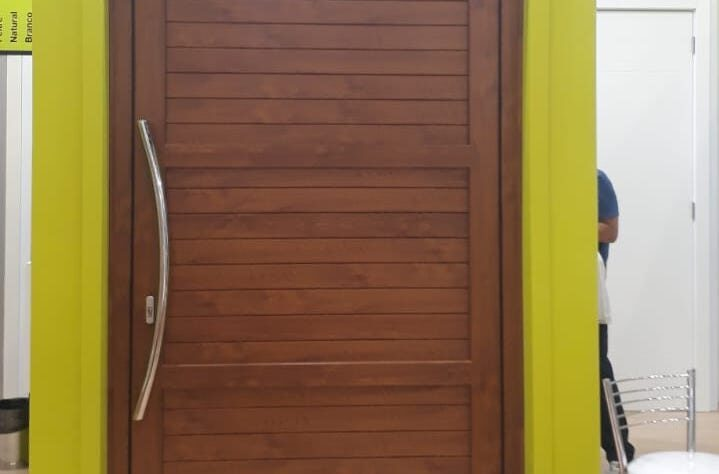 Porta de Abrir Pivotante